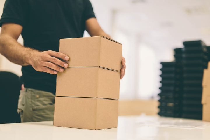 5 Benefits of Shipping with Corrugated Cardboard Boxes – R&B