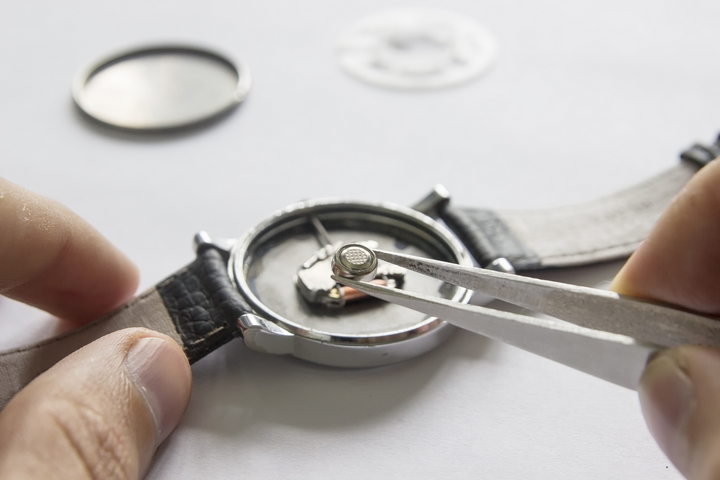 5 Maintenance Tips for Your Watch – R&B Magazine
